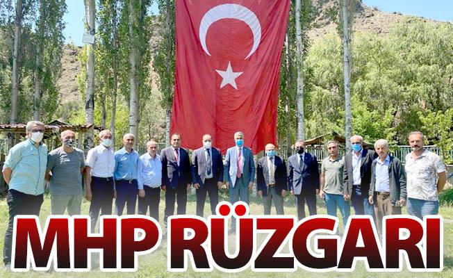 İlçelerde MHP rüzgârı