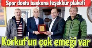 Başkan Korkut'a teşekkür plaketi